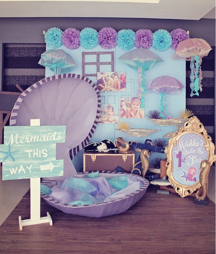 How To Make A DIY Mermaid Photo Booth