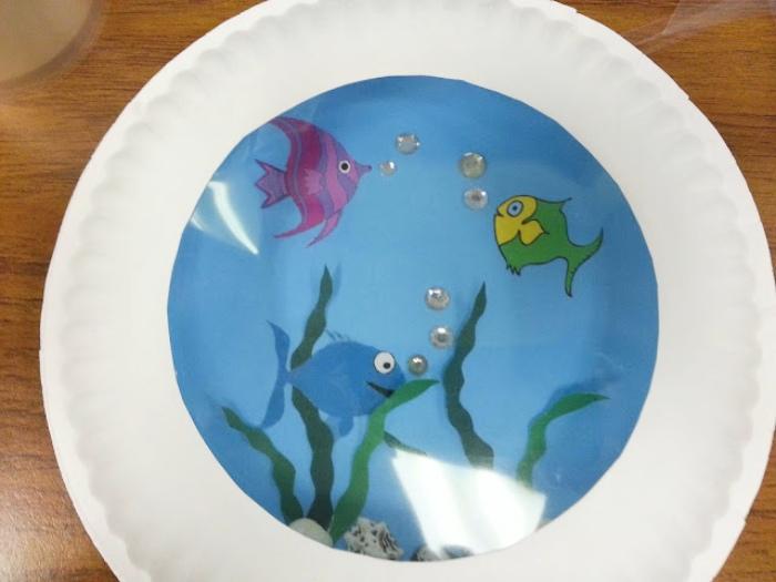 an aquarium made with paper plates